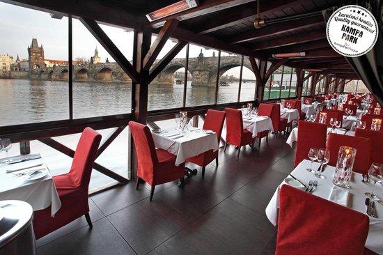 Kampa Park Restaurant: terrace