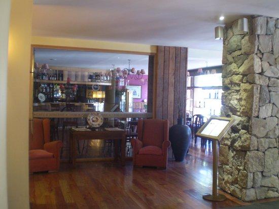 Hotel Nahuel Huapi: ingreso al hotel