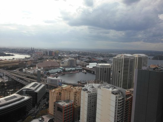 Meriton Serviced Apartments Kent Street: View of Darling Harbor