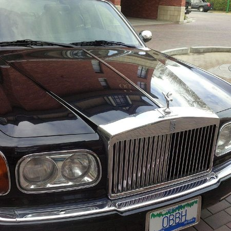 Oak Bay Beach Hotel: The Rolls....