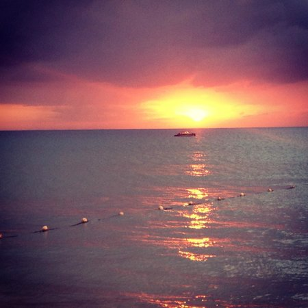White Sands Negril: We stay and watch the sunset every evening.