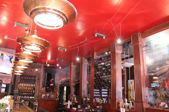 Bisbee's Tavolo: Bar