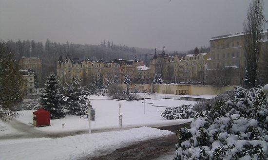 Orea Spa Hotel Palace Zvon: Палас от источника.