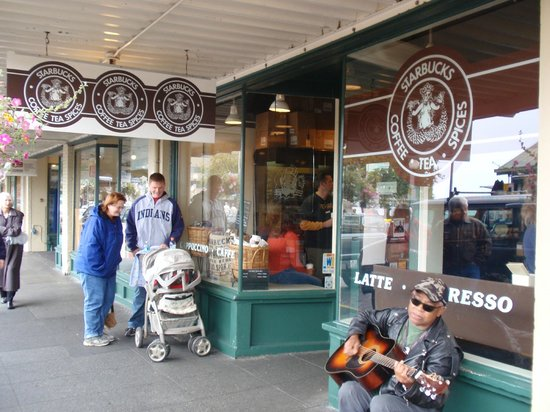 Starbucks 1st & Pike: Starbucks Seattle Shop