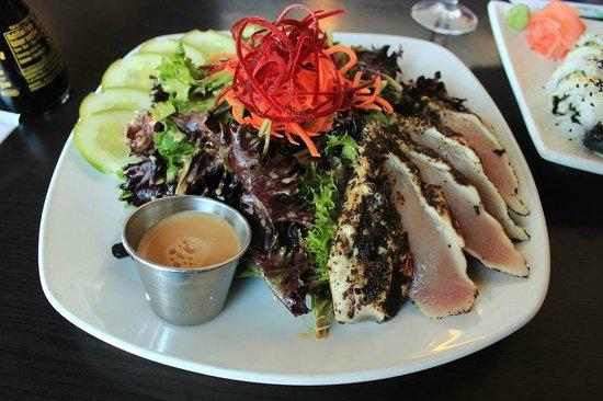Firehouse Grill: Tataki Salad