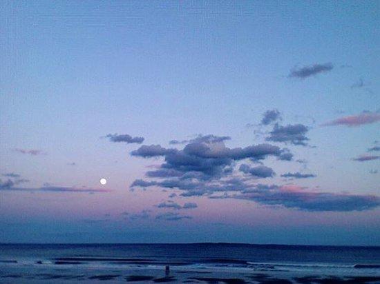 The Beach House : Moonrise