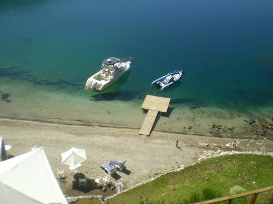 Hosteria Dos Bahias: Muelle y playa