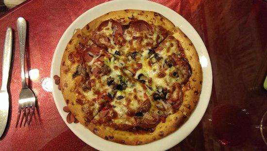 Ozi Pizza and Pasta : Pizza recommandee par le chef (pas sur la carte)