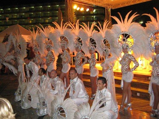 Paradise Valle Taurito: Karnevalgruppe angereist aus Las Palmas zum Abendprogramm