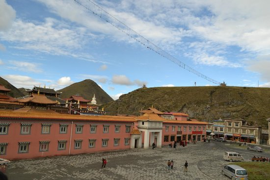 Tagong Grassland: Tagong Monastery, Khangding, Sichuan Province, China