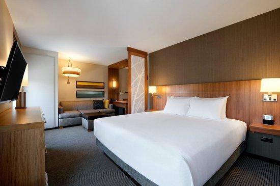 Hyatt Place Houston / The Woodlands : Corner King Room