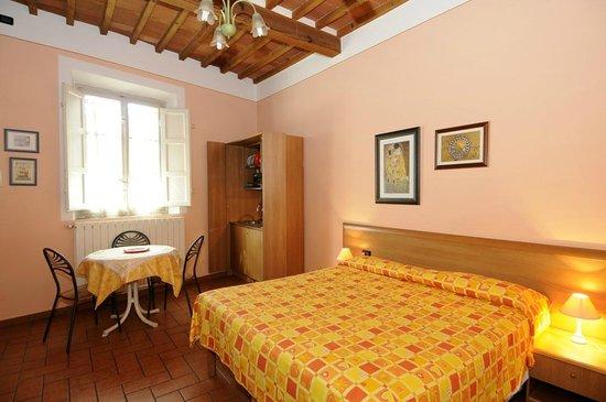 Affittacamere L'Arancio : Camera tripla con angolo cottura