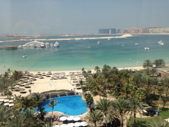 Le Meridien Mina Seyahi Beach Resort and Marina: View from Room 814