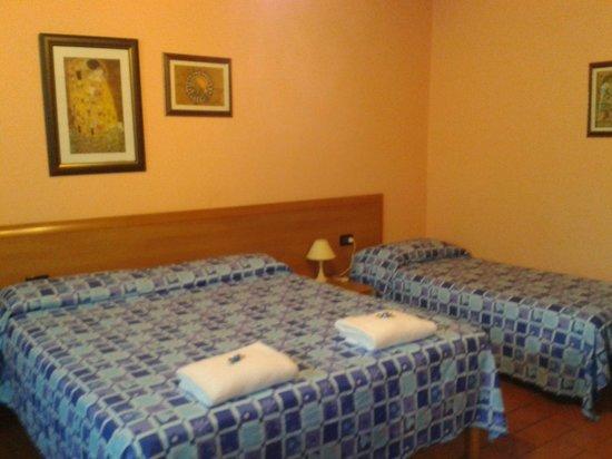 Affittacamere L'Arancio : Camera da letto
