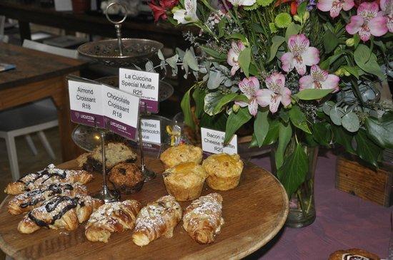La Cuccina: Homemade Muffin