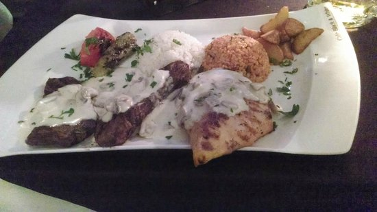 Black & White Turkisches Restaurant & Cafe : a filling main of lamb and chicken