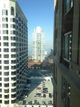 Hotel Republic San Diego, Autograph Collection: Eighteenth floor bay view room.