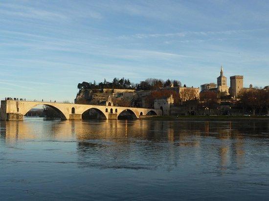 Hotel Roques : pont d'avignon