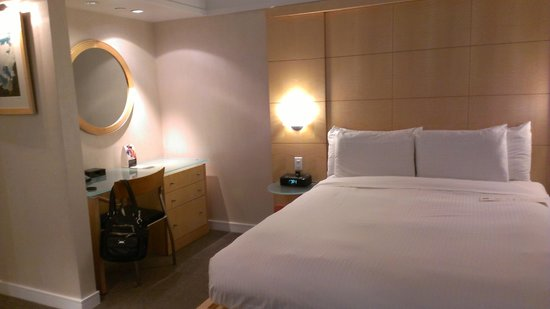 The Premier Times Square by Millennium: View of bed area