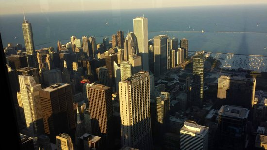 Skydeck Chicago - Willis Tower : View from the top of the Tower