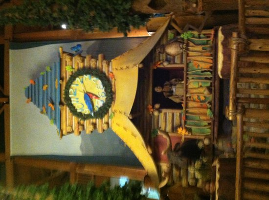 Great Wolf Lodge : Storytime in the lodge lobby