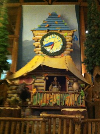 Great Wolf Lodge: Storytime in the lodge lobby
