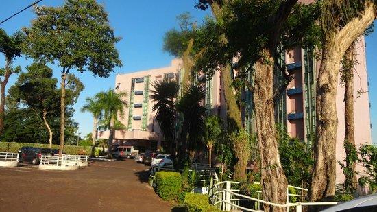 Falls Galli Hotel: Vista frontal do hotel