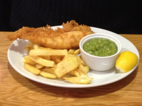 Cross Gates Fish and Chips: Best chips we have tasted in the UK so far