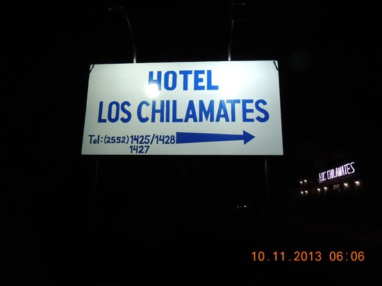 Hotel Los Chilamates: Hmm, a signpost to the property