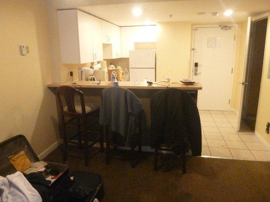 Hotel Faubourg Montreal: Cozinha - Quarto