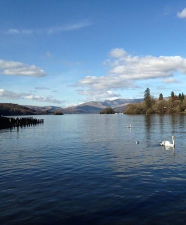 Macdonald Old England Hotel & Spa: Lake Windermere in March
