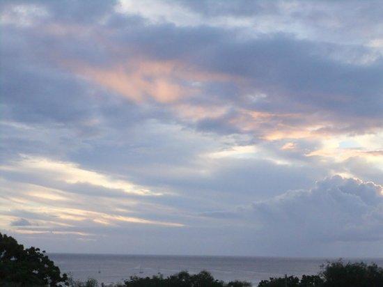 Tekarera Kainga Ora & Kainga Nui: Sunset on the Pacific Ocean from the deck at Tekarera