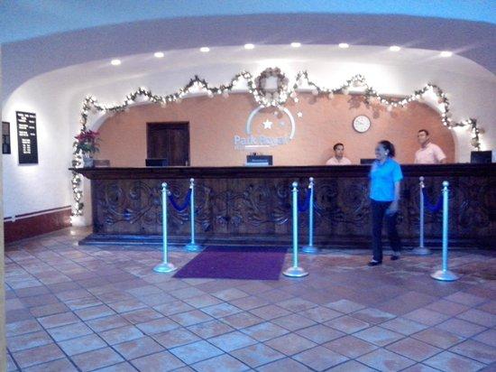 Park Royal Ixtapa: LOBBY, PERSONAL, EXCELENTE