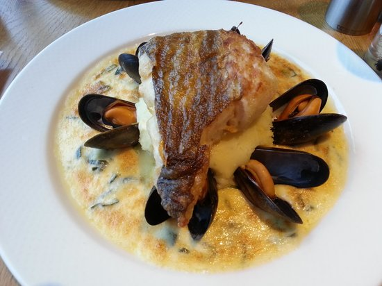 The Waterfront Fishouse Restaurant: cod with mussels