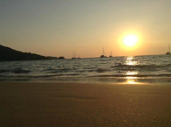 Nai Yang Beach: Закат