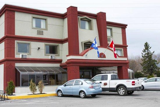 Hotel L'Express : Bâtiment de l'extérieur