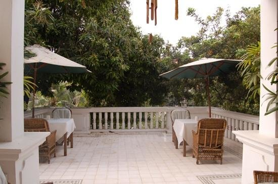 The Governors House Boutique Hotel Phnom Penh: terrasse exterieure