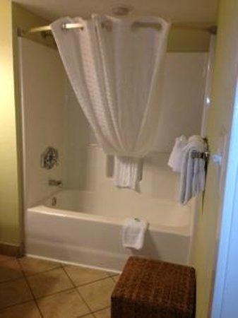 Bay View on the Boardwalk: Pretty 2nd Bathroom