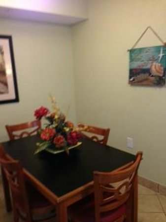 Bay View on the Boardwalk: Dining Room