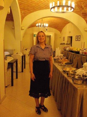 Hotel Alma Domus : Alexandra and Her Fabulous Breakfast