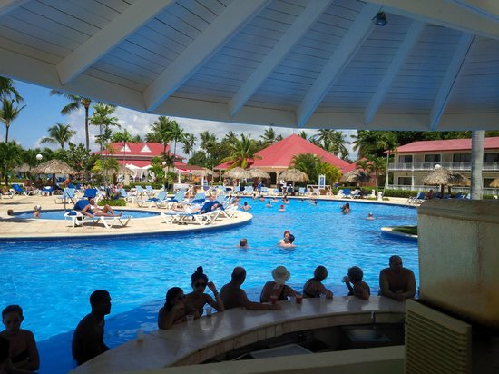 Grand Bahia Principe La Romana: Swim up bar