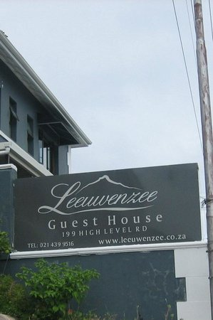 Leeuwenzee Guest House: Access from High Level Road