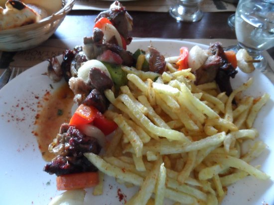 Restaurante Ahonikenk Chalten Fonda Patagonia: Brochette de Cordero