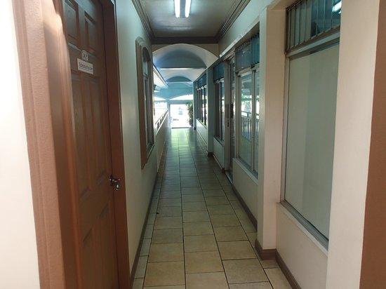 Hotel Eskalima : 3rd floor hallway