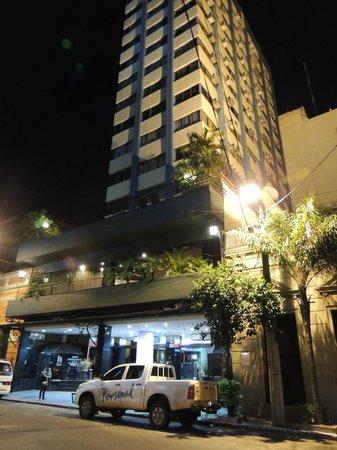 Asuncion Internacional Hotel & Suites : Flia. Warchol Muy mala estadía.-