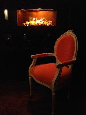 Sierra Bar & Restaurant: The jungle room – WAS FÜR EIN AMBIENTE
