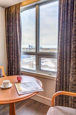 إجزكيوتيف رويال إن هوتل آند كونفرنس سنتر: Guestroom View