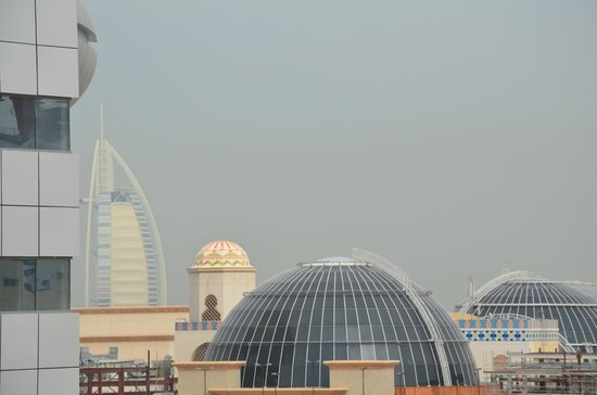 Ivory Grand Hotel Apartments : Vue sur le Burj Al Arab