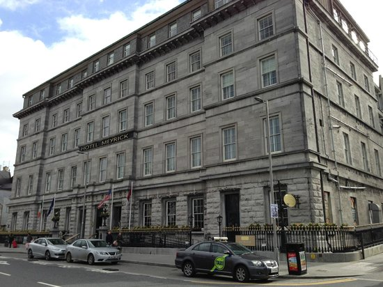 Hotel Meyrick: Building has so much character