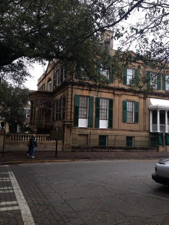 Owens-Thomas House: Picture from the street